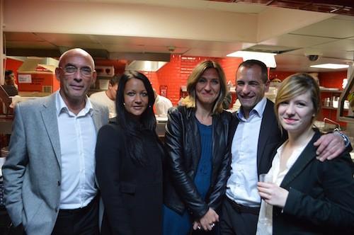 Thierry Larcade et Hervé Gotra, de Prestige Seafood, bien entourés.
